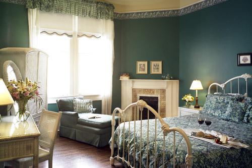 pearl-guestroom