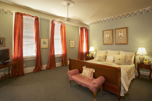 The Lillian guestroom at Maison Perrier Bed & Breakfast in New Orleans